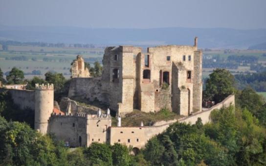 Hrad Boskovice dobývali rytíři. Malí i velcí si užili dvě historické bitvy, výtěžek akce pomůže dvěma handicapovaným dětem