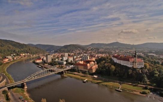 Srovnávací studie možných variant dálničního přivaděče do Děčína je hotová. Přijďte se s ní seznámit