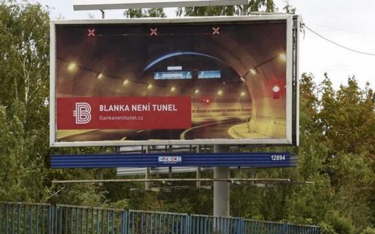 Blanka není tunel, tvrdí Metrostav na billboardech a Pražané se už ani nediví. Kde je 17 miliard a čtyři roky skluzu, se stejně nedozvědí, zácpy navíc prý budou pořád
