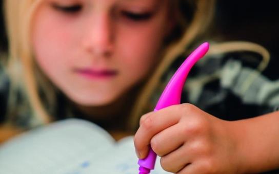 Deset rad, jak vybrat pero pro prvňáčka