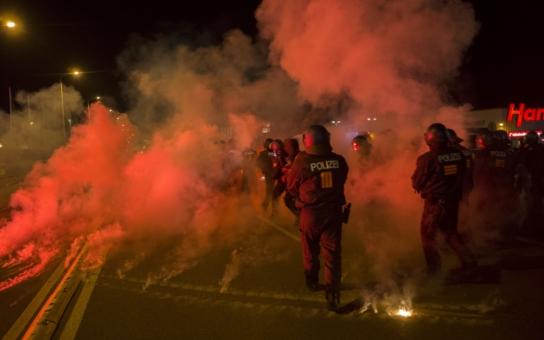 Co jsme viděli v Sasku: Po imigrantech se slehla zem. Jen na předměstí Drážďan funguje bílé ghetto. Je to klid před bouří? A co vše dostane uprchlík od německé vlády?