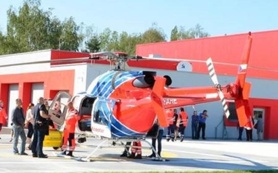 Základna letecké záchranné služby je blíž k nemocnici. Lékaři budou mít i speciální auto na převoz osob s vysoce nebezpečnými nákazami