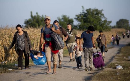 Musíme prohlížet i děti, občas mají u sebe zbraně. Český policista, který slouží na chorvatské hranici, vypráví... Poslední dva týdny jsou prý uprchlíci agresivnější, hlavně Afghánci