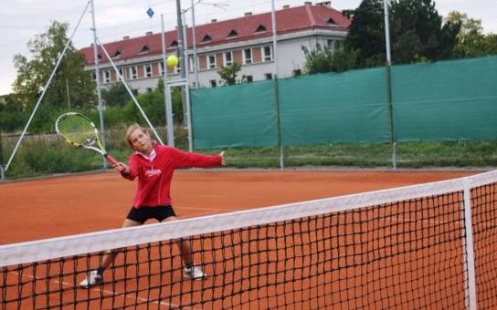 Olomoucký Sokol zrekonstruoval tenisové hřiště. Zpřístupní ho zdarma