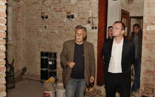 Dům bratří Čapků v Budislavi získává novou tvář. Stojí za tím PEN klub s milionovou podporou Pardubického kraje