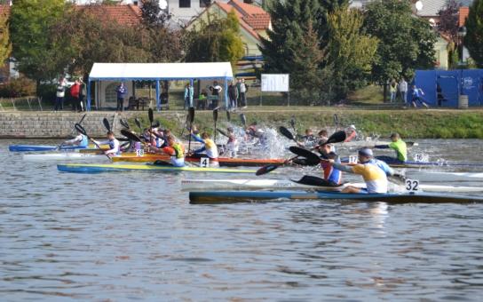 Poslední závody sezóny vynesly vltavotýnským kanoistům šest medailí. Někteří si odnesli největší sportovní úspěch. Pomohla elektrárna Temelín