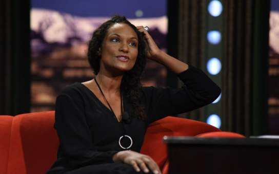Kocáb byl proti. Lejla Abbasová rodila doma až podruhé; přivedlo jí to k...