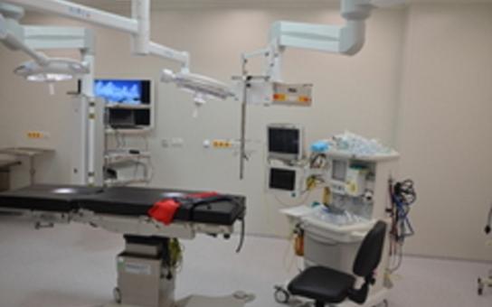 Ortopedie jako v bavlnce, pacientům už nebezpečí nehrozí. Operační sály náchodského špitálu byly předány chirurgům. Povolen je zkušební provoz