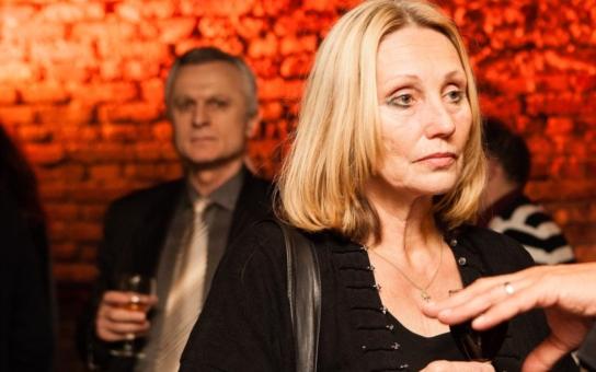 """Jedna slavná režisérka vystoupila z pražské kavárny, ať už je to cokoliv. """"Nejsem sluníčkářka, nejsem politicky korektní, chci pravdu a nalévat si čistého vína!"""""""
