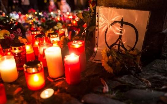 Co se vlastně dělo v Paříži? Tři muži povraždilil 120 lidí, pak začali popravovat rukojmí. Podívejte se na video