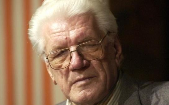 Trpké rozčarování kovaného komunisty. Kvůli čemu Jaroslav Moučka nepromluvil léta s bratrem ani slovo a proč už se nemohl dočkat smrti? Tajnosti slavných