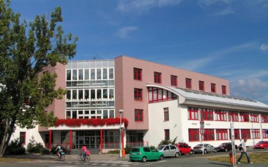 Speciální školy v Hradci Králové a Chlumci nad Cidlinou se sloučí. U té první jde i o mateřinku a praktickou školu