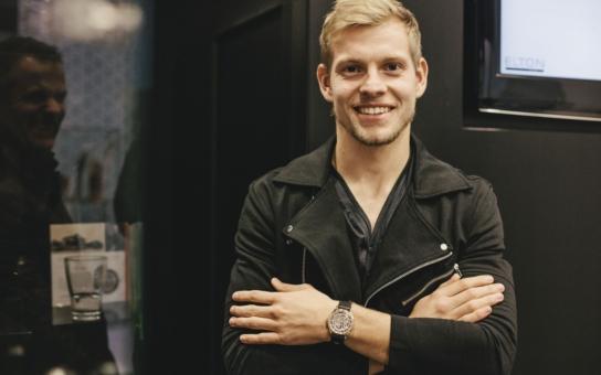 Český fotbalový talent Matěj Vydra nosí luxusní hodinky PRIM z růžového zlata, vyrobené na zakázku. Jsou prostě nádherné