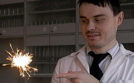 Amgen Teach mi pomáhá zaujmout studenty, říká vedoucí učitel chemie z Gymnázia Zikmunda Wintra Kamil Březina