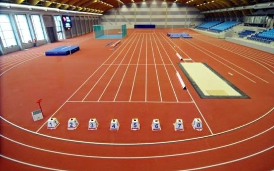 Atletický tunel s rovinkou, v hledišti místa pro handicapované, mezinárodní parametry... Ve Vítkovicích právě vyrostlo opravdu špičkové sportoviště