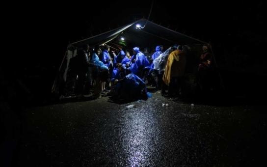 Brutální napadení těhotné Somálky, žadatelky o azyl. Anebo: Uprchlíci si sednou dovnitř, je jich padesát… Majitel bistra tak raději zavřel. V Německu se to mele