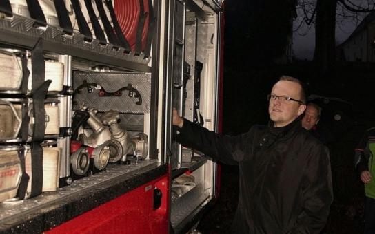 Dobrovolní hasiči v Červené Vodě dostali vánoční dárek - pyšní se novou cisternou