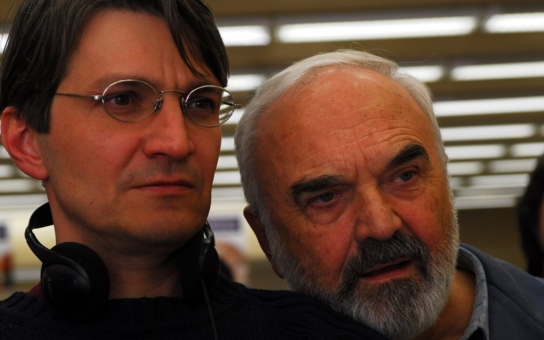 Otec a syn Svěrákovi prý vydělávají na vánočních pohádkách miliony díky státním dotacím. Nepříliš úspěšný filmař Tomáš Měšťan jim to spočítal, do halíře