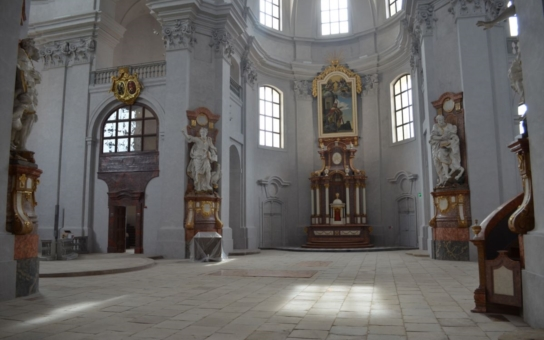 Obnova piaristického kostela v Litomyšli je dokončena. Unikátní dokument nahlíží restaurátorům pod ruce a mapuje krok za krokem jeho úchvatnou proměnu
