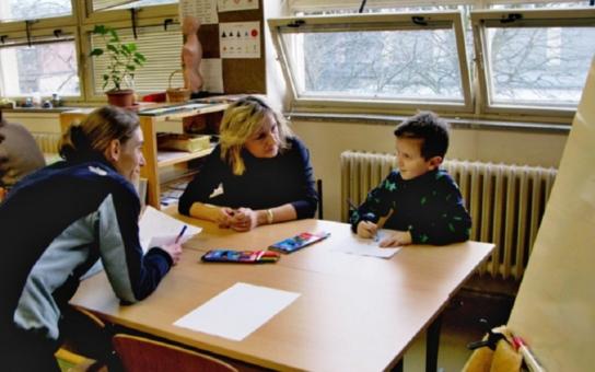 Kdy a kam s předškolákem k zápisu? Rodičům v Pardubickém kraji poradí Školský portál