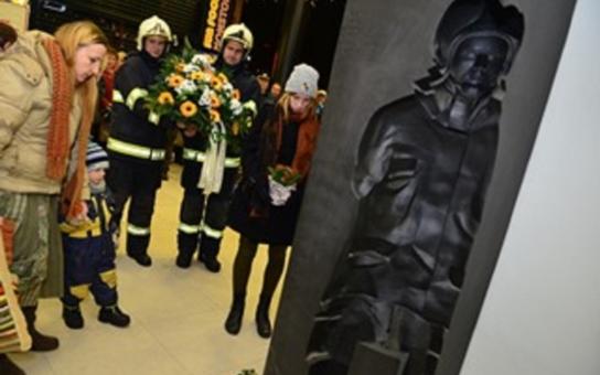 Hejtman Hašek uctil památku tragicky zesnulých hasičů. Oběma byla udělena in memoriam Cena Jihomoravského kraje za hrdinský čin