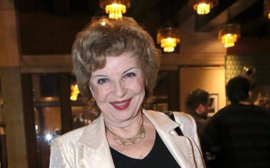 Česká Angelika milovala úspěšného spisovatele, jenže byl ženatý. Proč nemá Libuše Švormová děti a kde nakonec našla životní lásku? Tajnosti slavných