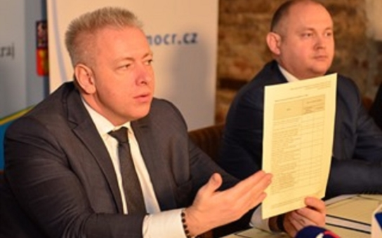 Uplyne rok od chvíle, co v Uherském Brodě řádil střelec. Kraje a obce podepsaly memorandum se zástupci bezpečnostních složek. Podrobně popisuje různé dramatické situace
