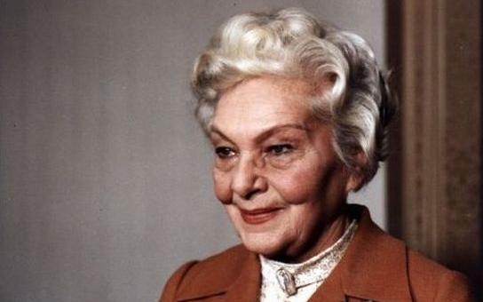 Kolegové jí záviděli slávu, ženy krásu, peníze a hlavní role. Jak je možné, že česká Marlene Dietrich vydělávala třikrát tolik než ostatní? Tajnosti slavných