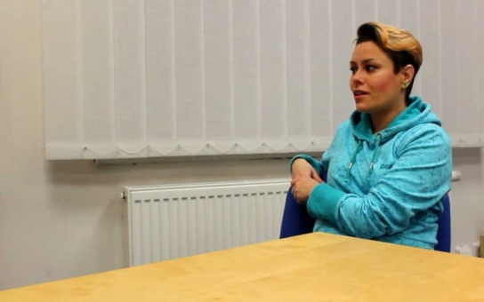 I muslimové v Česku mají čtyři ženy a praktikuje se tu šaría, jen se o tom neví. Bývalá muslimka popisuje peklo, jaké zažívá muslimská manželka. Islám je neintegrovatelný
