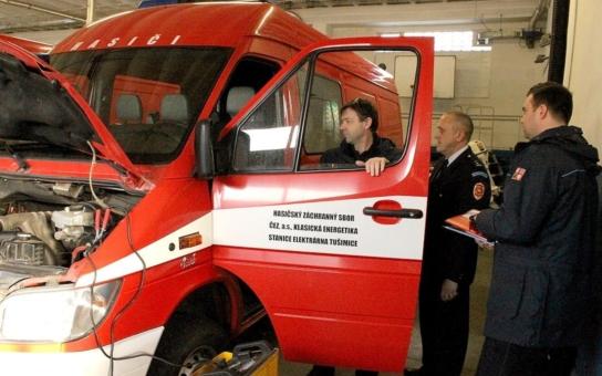 Vyřazené vozidlo HZS z Elektrárny Tušimice poslouží ještě v Lounech. Nahradí zastaralou techniku a bude dál vozit hasiče