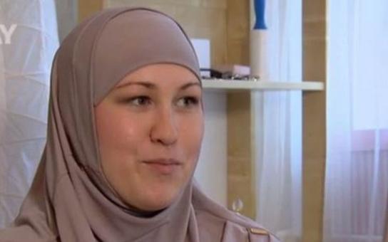 V pořadu Prostřeno je muslimka a česká lůza se z toho může vyloženě posrat. Prima zjevně dobře ví, co dělá, sledovanost vylétla do nebes… Slečna SEN glosuje šoubyznys