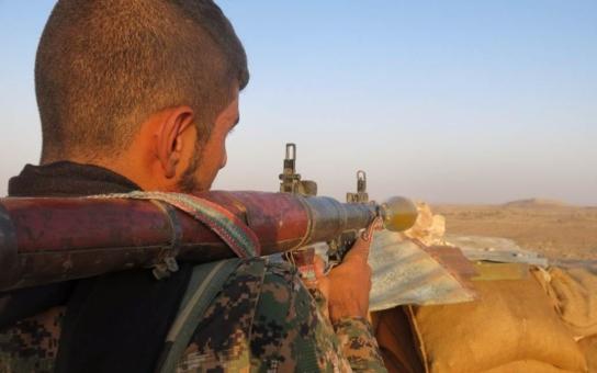Islámskému státu na dostřel. Novinářka se vrátila z horké válečné zóny, vypráví, vysvětluje, ale také varuje: Jsou za tím velké peníze. Viděla ale také statečné Kobaní