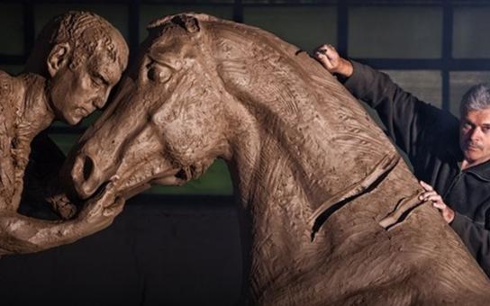 Pomník k výročí bitvy u Hradce Králové odlijí sochaři z Horní Kalné. Předlohou je model akademického sochaře Petra Nováka z Jaroměře