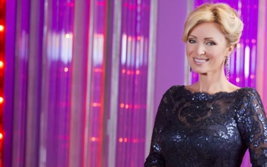 Kateřina Brožová se má, má svoji televizi i pohledného magnáta. Bude herečka na prahu padesátky konečně šťastná?  Zlatokopka, nejdražší eskort… Skončí to teď už definitivně?