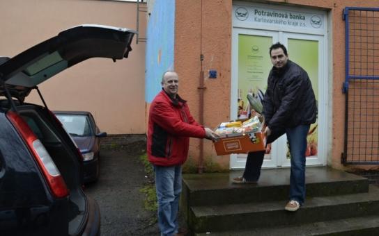 Potravinová banka již shromáždila tuny jídla a nejvíc ho vydala před Vánoci. Uvítala by ale také dodavatele drogistického zboží
