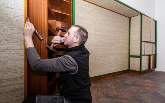 Plzeň nechala opravit mimořádně cennou ložnici, kterou známý architekt Adolf Loos navrhnul pro židovskou rodinu. Japonská tapeta, skrytý trezor...