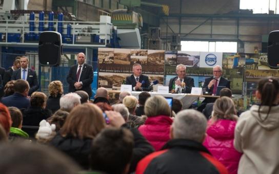 Prezident Zeman si opět přišel na své. Rád totiž kritizuje, jak se přiznal, a tak to vedení kraje pořádně a právem schytalo. Na zdejšího hejtmana stačila jedna kráva