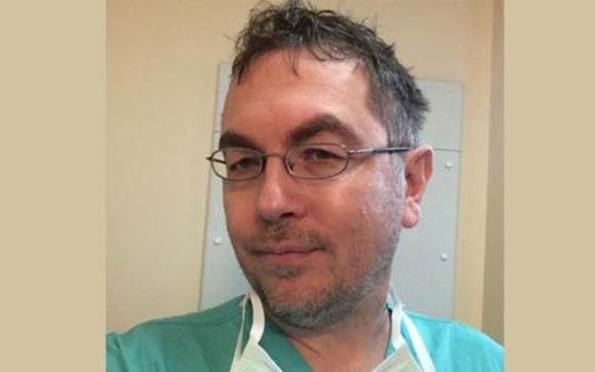 Muslimské lékařky odmítají sundat šátek i na operačním sále, muslimští lékaři odcházejí od pacienta modlit se. Český lékař popsal, co zažil v Británii, pak ho suspendovali. Na udání