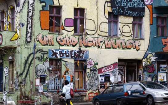 Jsou to prostě vetřelci, chovají se, jako by jim to tu patřilo, rozčílil se Jiří Jiskra, poté co navštívil muslimskou čtvrť v Berlíně. Neuvěříte, co tam natočil