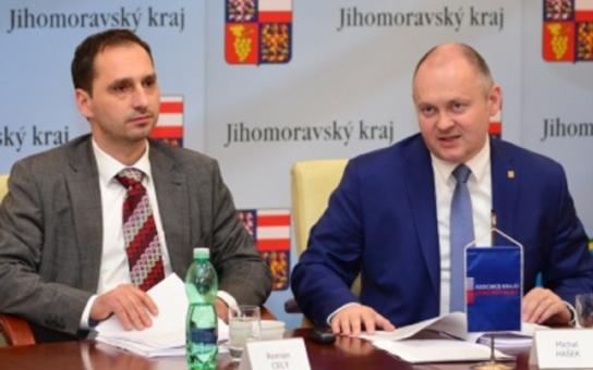 Čínská rozvojová banka nabízí jižní Moravě úctyhodných 200 milionů eur. V následujících třech letech budeme hledat vhodné projekty, uvedl hejtman Hašek