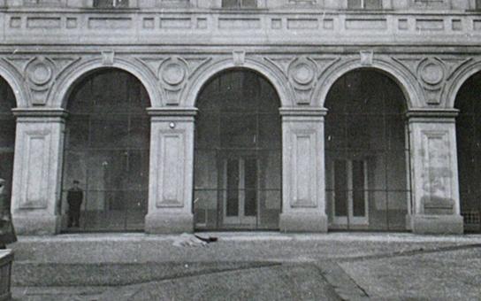 Fotky zavražděného Jana Masaryka, pohled jen pro silné nátury… Centrum pro dokumentaci totalitních režimů zveřejnilo hrůzu, která měla zůstat v zaprášeném archivu