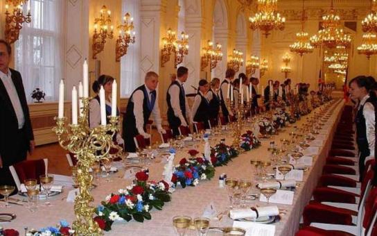 Teplická hotelovka se chystá na Pražský hrad. Čínský prezident se stane jubilejním pětadvacátým hostem, kterého budou její žáci obsluhovat
