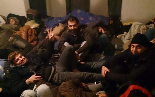Cesta ze Sýrie do Bavorska je stála 10 tisíc eur za podvody a úplatky; i policistům. Uprchlíci to prozradili v ČRo, který nás, xenofoby, chce vychovávat. To jsou paradoxy