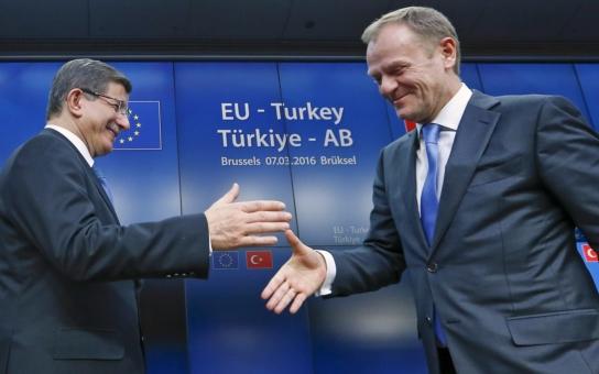 EU si najala Turecko na špinavou práci. Migraci to ale stejně nezastaví, uprchlíci budou hledat nové trasy a nové pašerácké gangy. A do Evropy se navalí další miliony Turků. Dobrá práce!