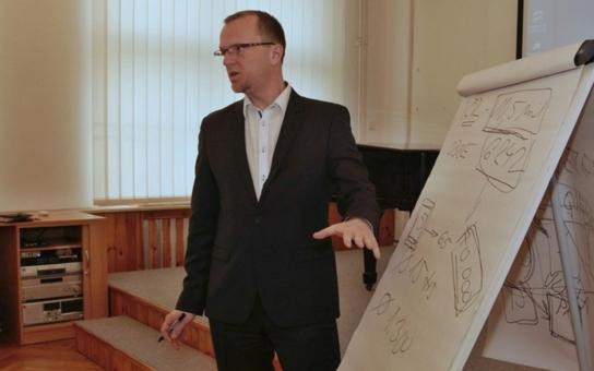 Hejtman Netolický se vrátil za katedru. Co přednášel na litomyšlském gymnáziu?