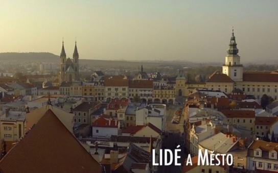 Film, v němž v hlavní roli hraje Kroměříž, vzbudil takový zájem, že musela být v den premiéry přidána ještě jedna projekce. Hudbu pro něj složil Petr Bende