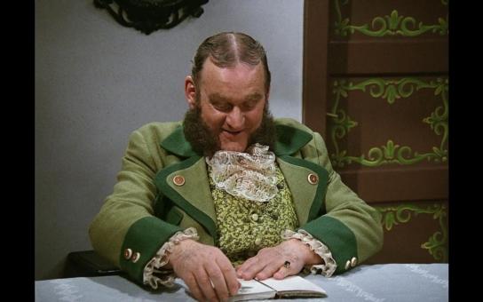 Jemnostpán Trautenberk měl tolik peněz, že je ani nedokázal utratit. Jak si slavný zakladatel herecké dynastie uměl užívat života a proč mu byly souzeny uniformy? Tajnosti slavných