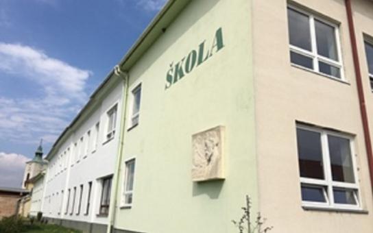 S dostavbou školy v Ostrovačicích je problém. Jenže ji osm vesnic potřebuje: Přibylo tu omladiny, která se hodlá rozrůstat. Pomůže krajská pokladna?