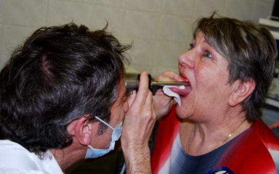 Máte problémy s hlasivkami? ORL klinika Pardubické nemocnice nabízí preventivní vyšetření již tuto sobotu v rámci Světového dne hlasu