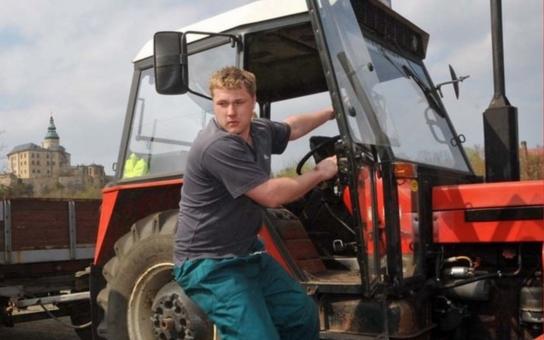 Sedlácký víceboj, znalosti zvířat i plodin, práce s traktorem... Zemědělská olympiáda začíná už dnes ve Frýdlantu, který bude obhajovat loňské vítězství